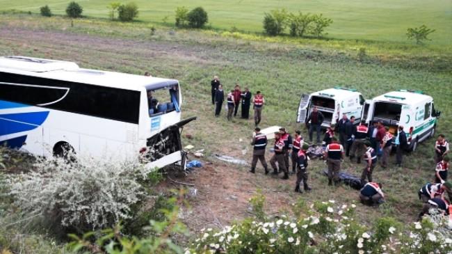 Kalecik'e Feci Yolcu Otobüsü Kazasında 8 Ölü 32 Yaralı